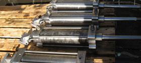 Soda Blasting Hydraulic Rams